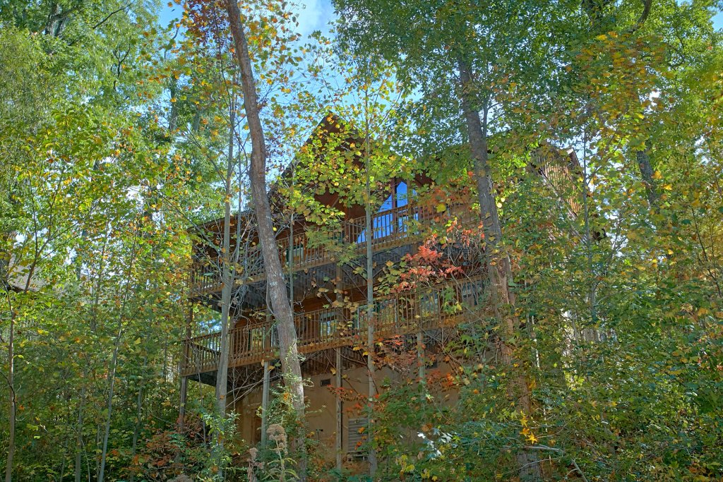 Photo of a Pigeon Forge Cabin named Sweet Mountain Laurel #403 - This is the twentieth photo in the set.