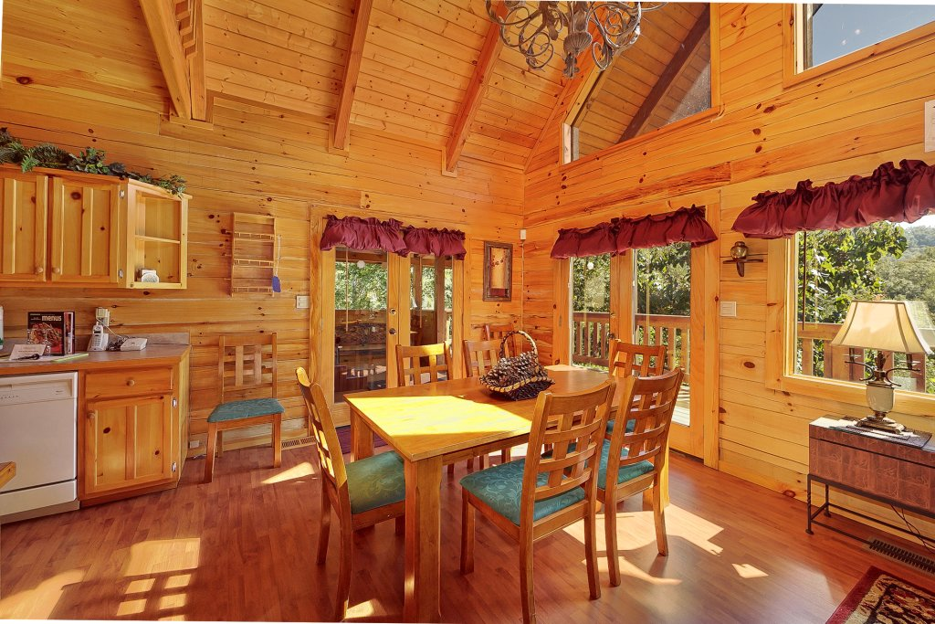 Photo of a Pigeon Forge Cabin named Secluded Hideaway - This is the ninth photo in the set.