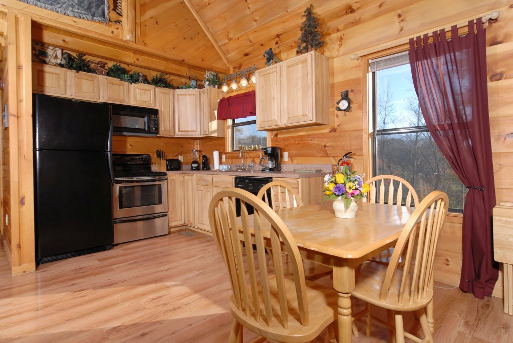 Photo of a Pigeon Forge Cabin named Wow !! What A Cabin #255 - This is the twenty-second photo in the set.