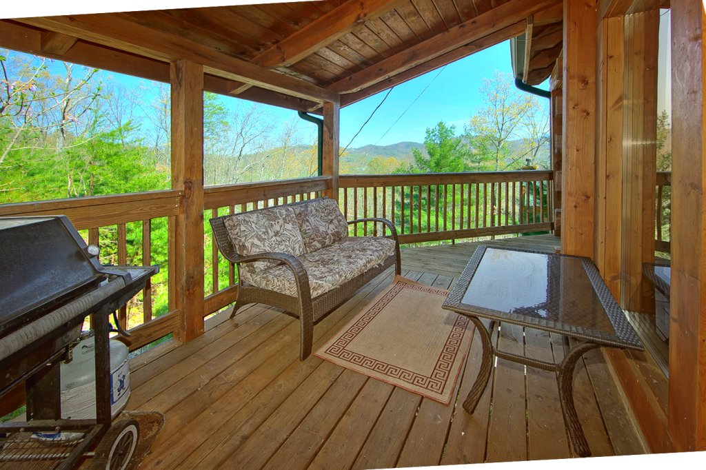 Photo of a Pigeon Forge Cabin named Heavenly Hideaway #256 - This is the twenty-second photo in the set.