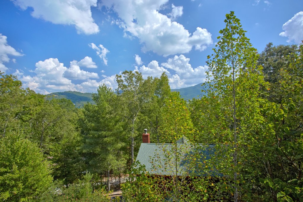 Photo of a Pigeon Forge Cabin named Heavenly Hideaway #256 - This is the twenty-fourth photo in the set.
