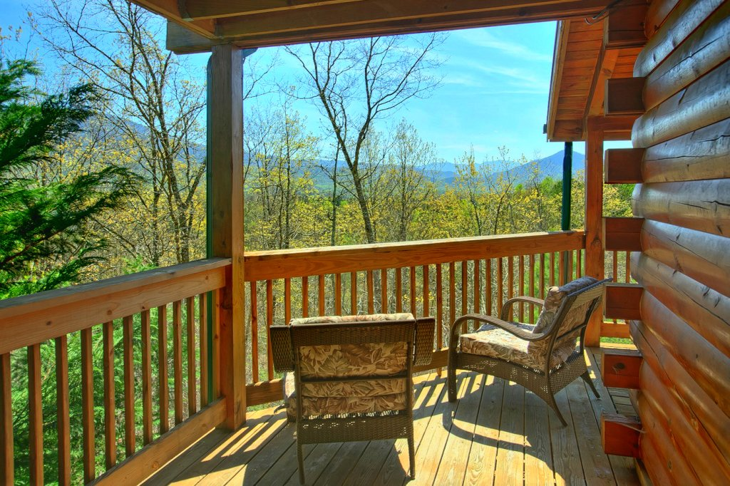 Photo of a Pigeon Forge Cabin named Heavenly Hideaway #256 - This is the eighth photo in the set.