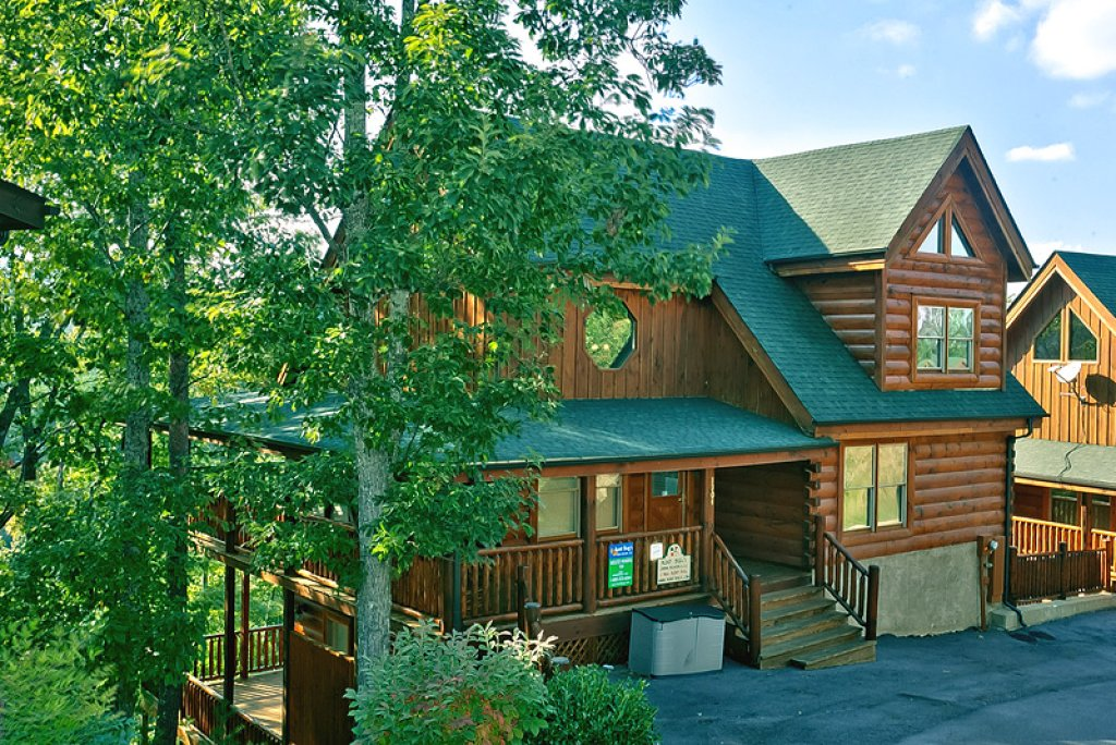 Photo of a Pigeon Forge Cabin named Absolutely Wonderful #304 - This is the first photo in the set.