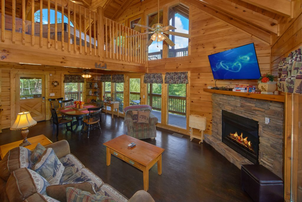 Photo of a Pigeon Forge Cabin named Heavenly Hideaway #256 - This is the twelfth photo in the set.