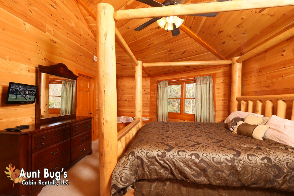 Photo of a Gatlinburg Cabin named Swimmin With Bears #375 - This is the twenty-first photo in the set.