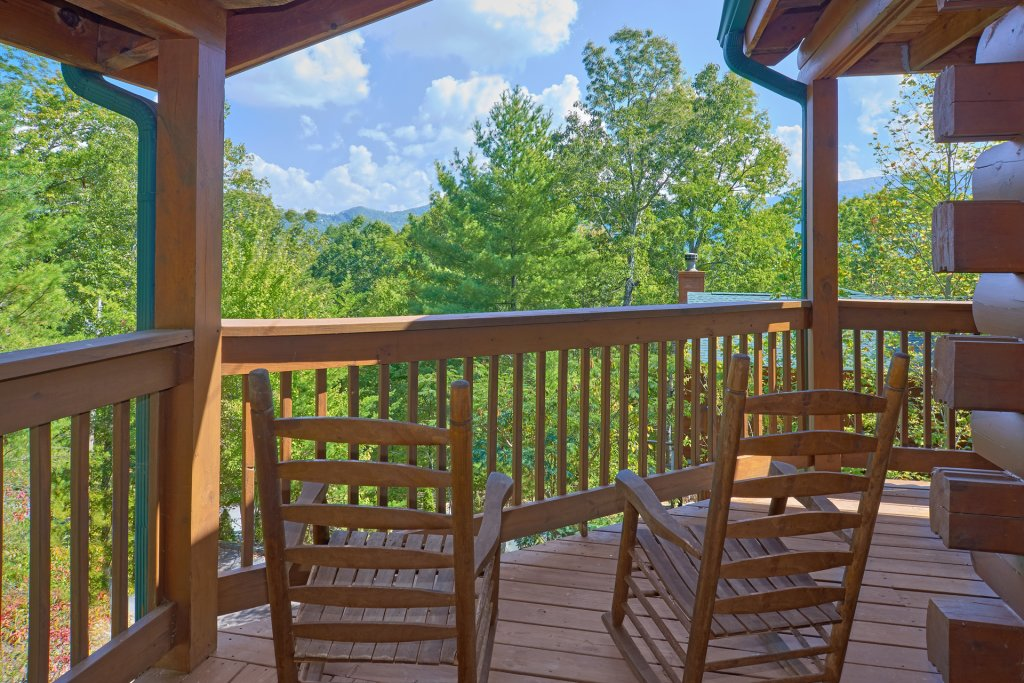 Photo of a Pigeon Forge Cabin named Heavenly Hideaway #256 - This is the thirtieth photo in the set.
