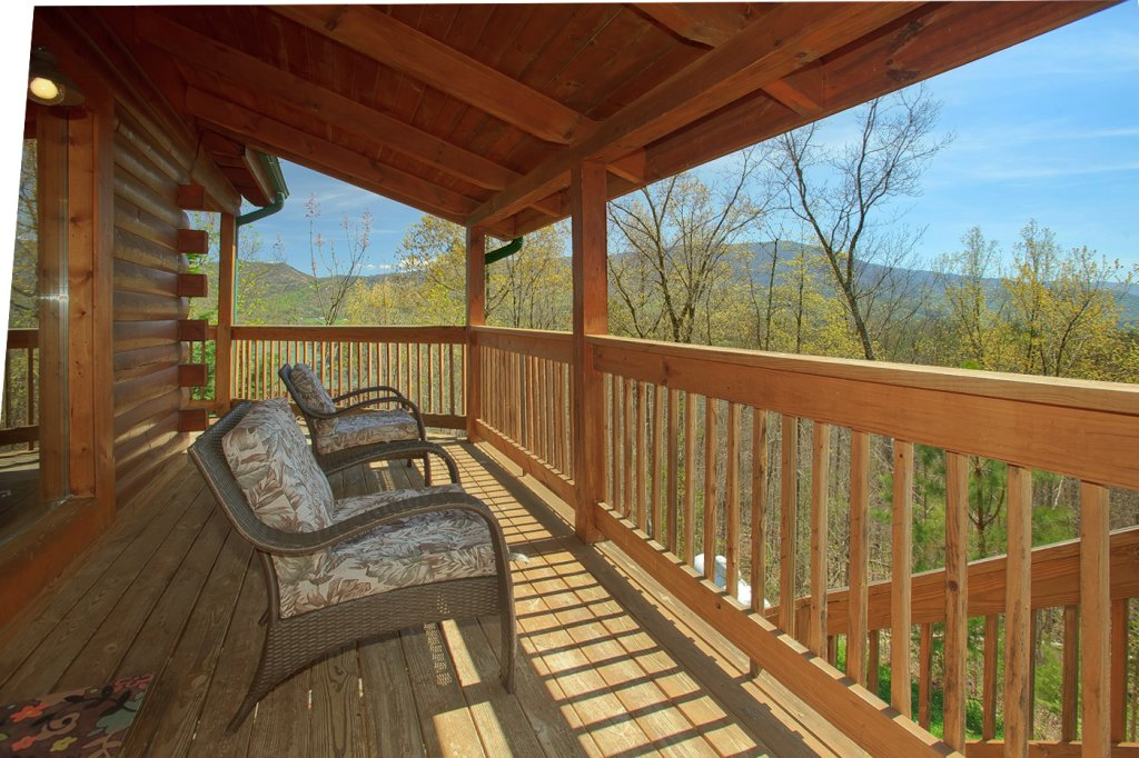 Photo of a Pigeon Forge Cabin named Heavenly Hideaway #256 - This is the twenty-third photo in the set.