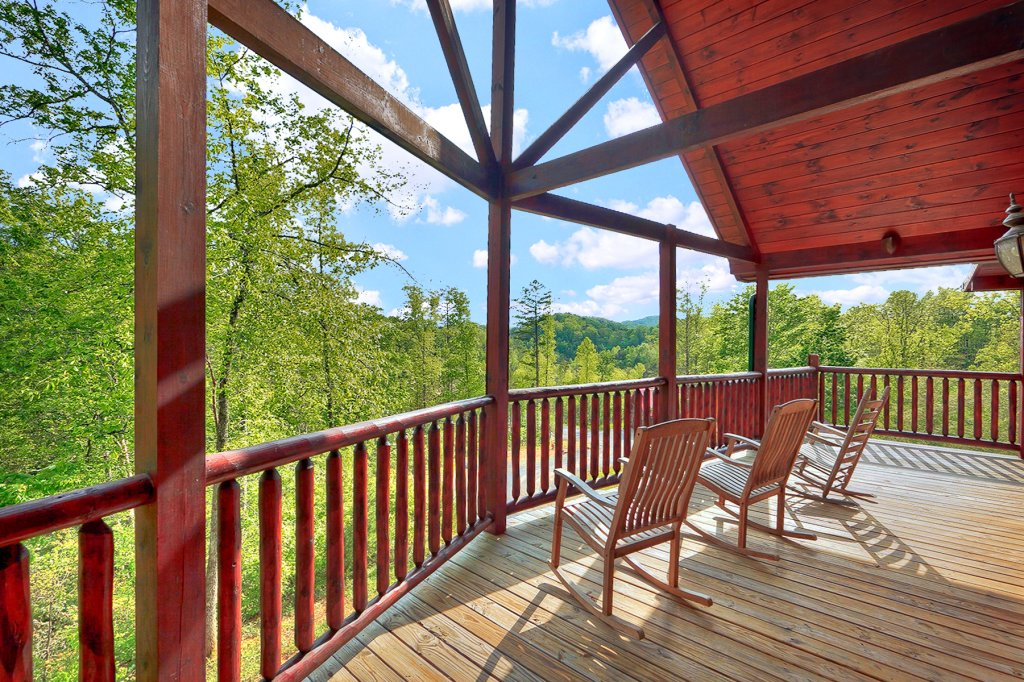 Photo of a Gatlinburg Cabin named Knotty & Nice - This is the third photo in the set.