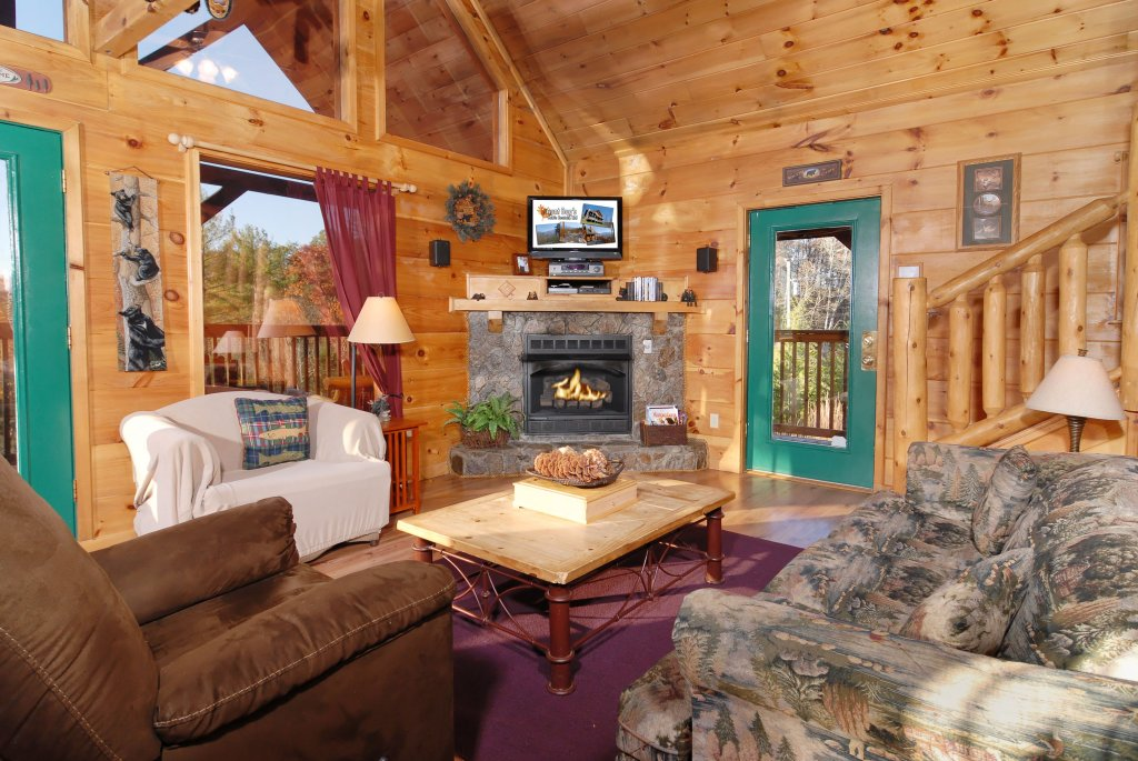 Photo of a Pigeon Forge Cabin named Wow !! What A Cabin #255 - This is the eighth photo in the set.