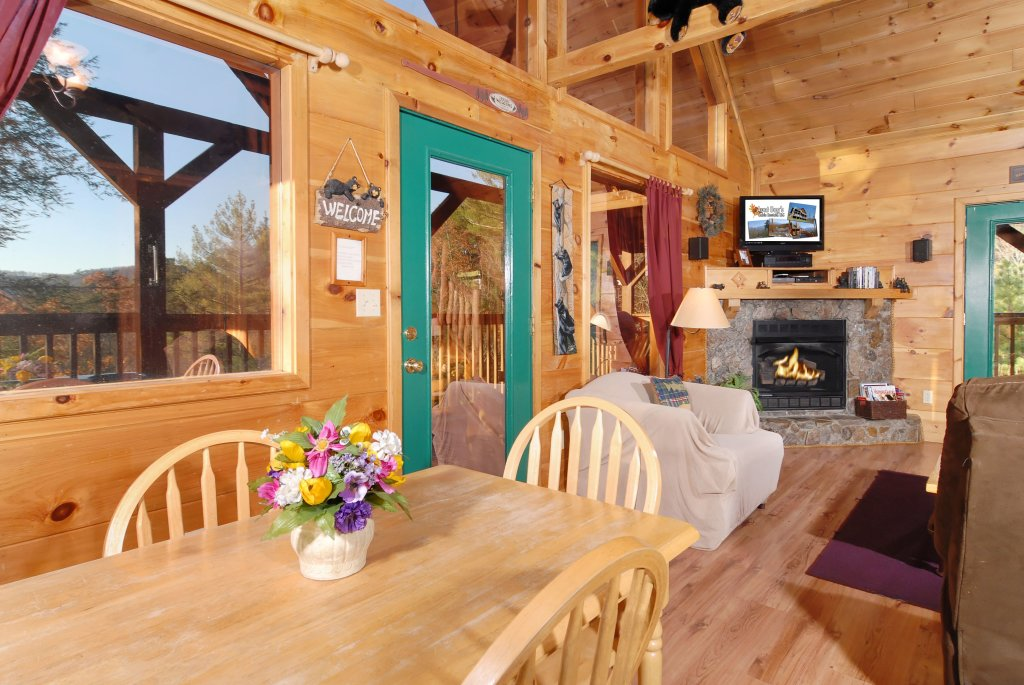 Photo of a Pigeon Forge Cabin named Wow !! What A Cabin #255 - This is the nineteenth photo in the set.
