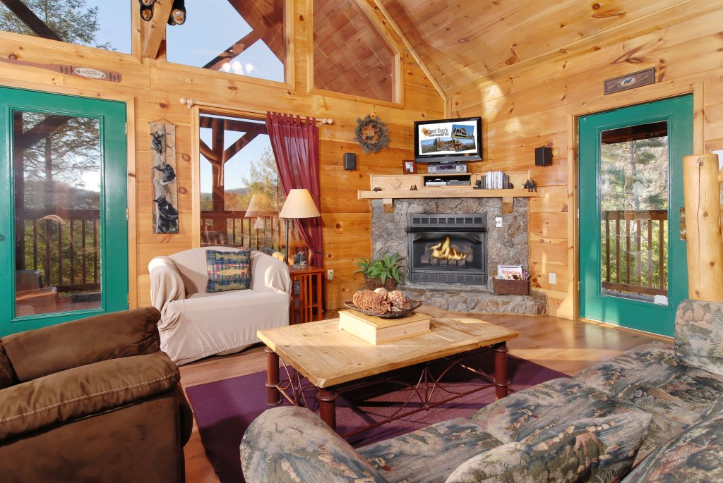 Photo of a Pigeon Forge Cabin named Wow !! What A Cabin #255 - This is the seventeenth photo in the set.