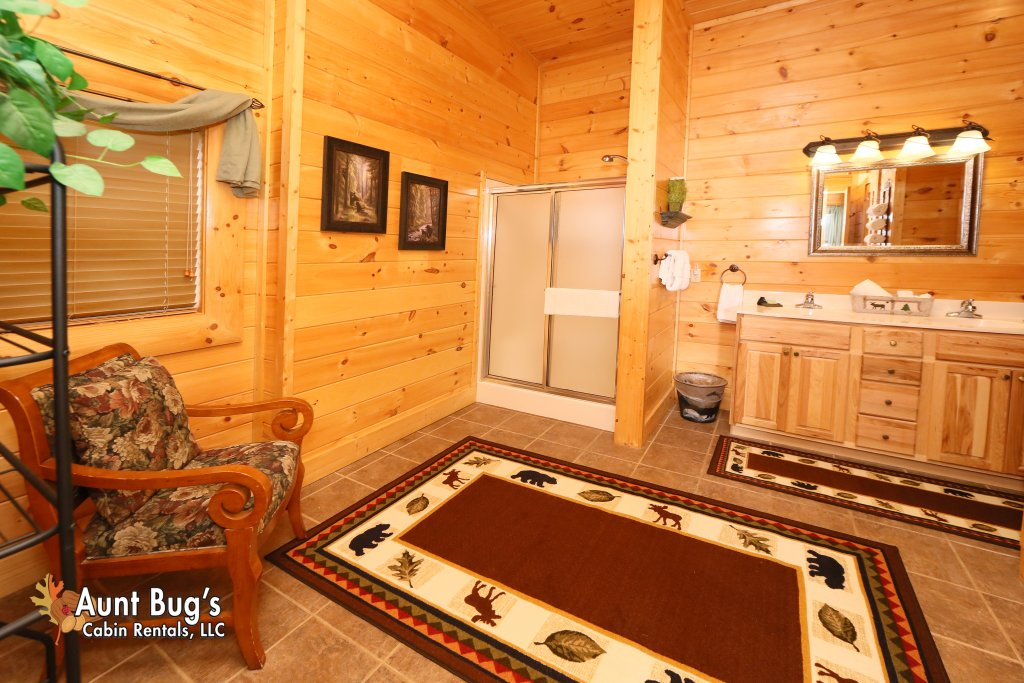 Photo of a Pigeon Forge Cabin named Absolutely Wonderful #304 - This is the fortieth photo in the set.