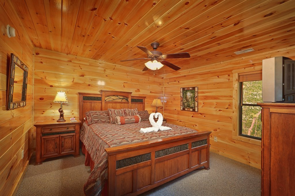 Photo of a Gatlinburg Cabin named Knotty & Nice - This is the twentieth photo in the set.