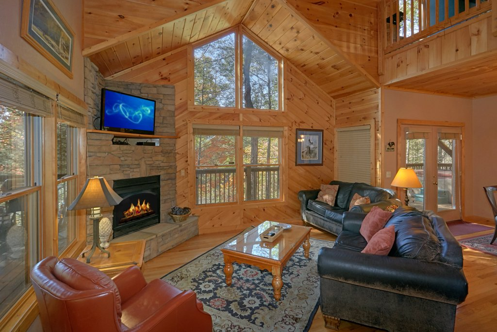 Photo of a Gatlinburg Cabin named Rustic Elegance #422 - This is the second photo in the set.