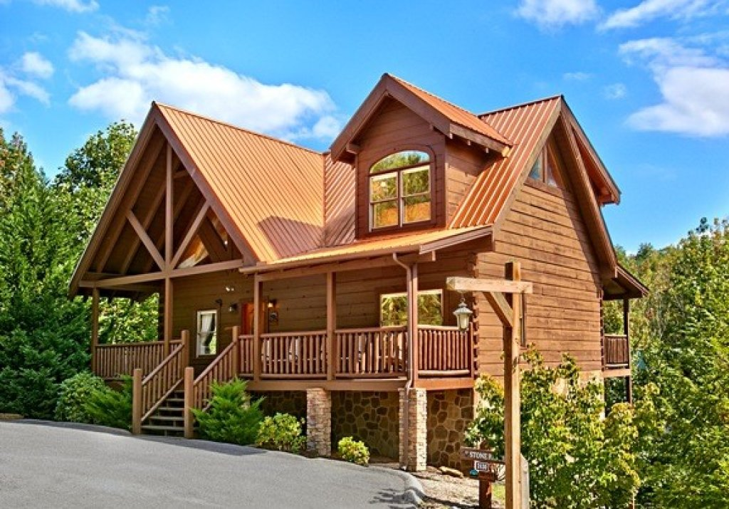 Photo of a Pigeon Forge Cabin named Stone Ridge #325 - This is the first photo in the set.
