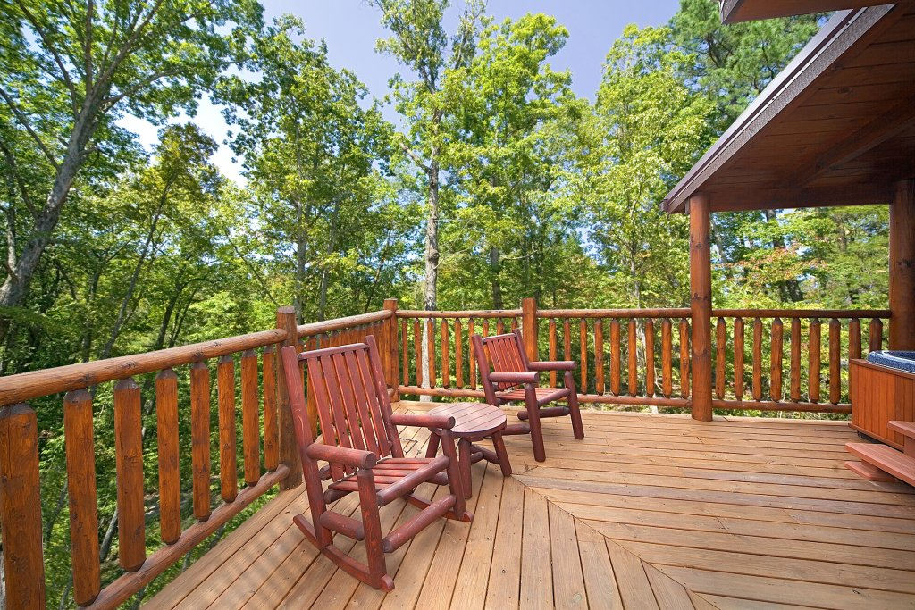 Photo of a Gatlinburg Cabin named Cowboy Way - This is the second photo in the set.