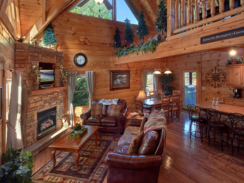 Photo of a Pigeon Forge Cabin named Stone Ridge #325 - This is the fourteenth photo in the set.
