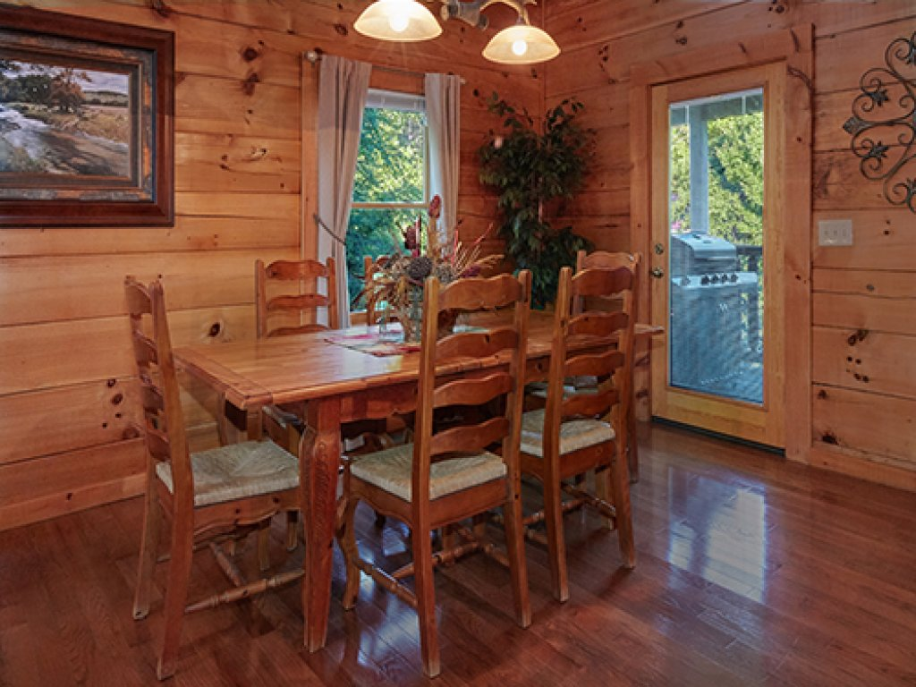 Photo of a Pigeon Forge Cabin named Stone Ridge #325 - This is the eighth photo in the set.