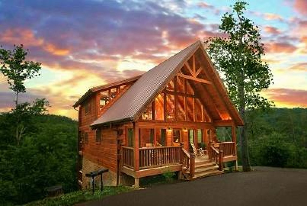 Photo of a Gatlinburg Cabin named Mountain Memories - This is the first photo in the set.