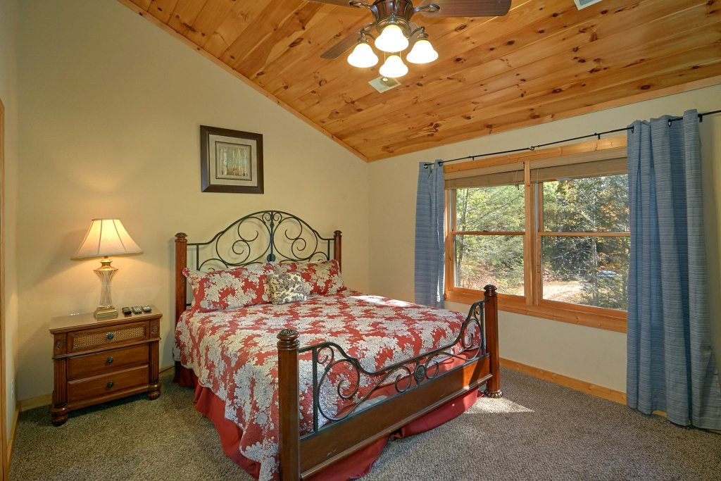 Photo of a Gatlinburg Cabin named Rustic Elegance #422 - This is the seventeenth photo in the set.