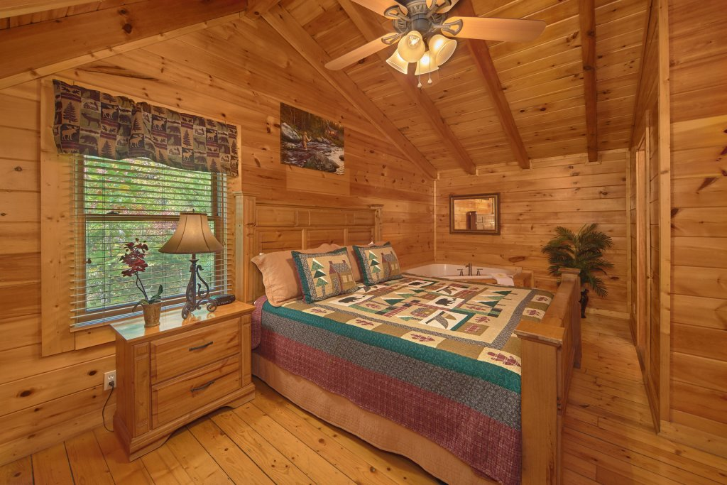 Photo of a Pigeon Forge Cabin named Heavenly Hideaway #256 - This is the fifteenth photo in the set.