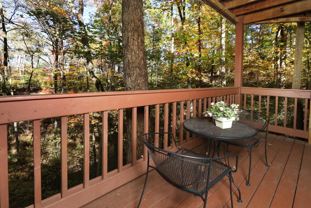 Photo of a Pigeon Forge Cabin named Four Seasons #193 - This is the twenty-fourth photo in the set.