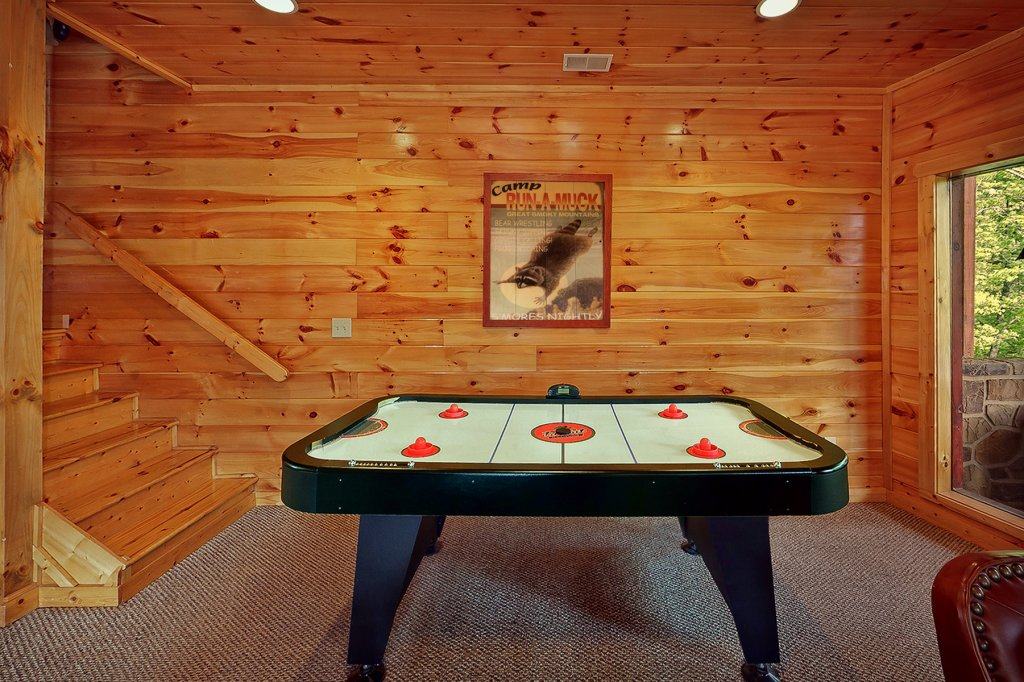 Photo of a Gatlinburg Cabin named Knotty & Nice - This is the sixth photo in the set.