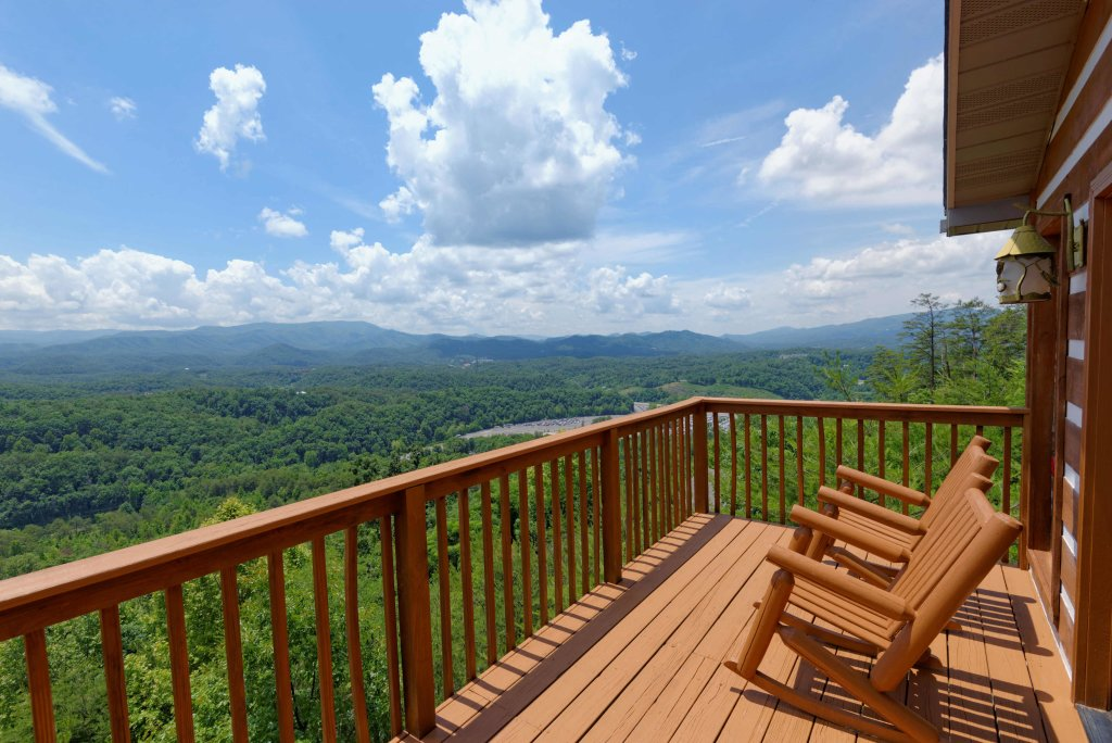 Photo of a Pigeon Forge Cabin named Amazing View #223 - This is the twenty-fifth photo in the set.