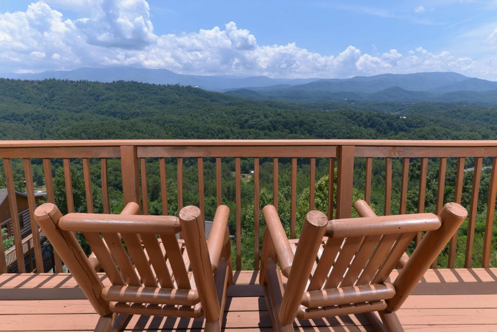 Photo of a Pigeon Forge Cabin named Amazing View #223 - This is the thirty-third photo in the set.