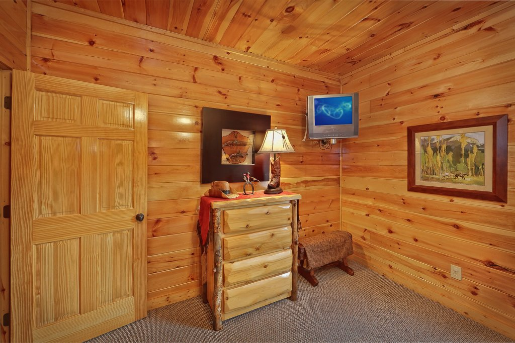 Photo of a Gatlinburg Cabin named Knotty & Nice - This is the twenty-first photo in the set.