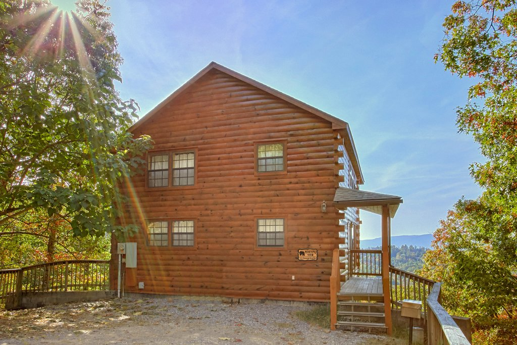 Photo of a Pigeon Forge Cabin named Morning View #131 - This is the fourteenth photo in the set.