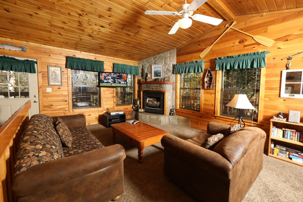 Photo of a Pigeon Forge Cabin named Four Seasons #193 - This is the tenth photo in the set.