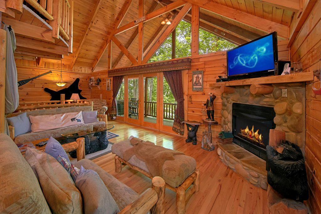 Photo of a Gatlinburg Cabin named Browns Bear Den #235 - This is the third photo in the set.