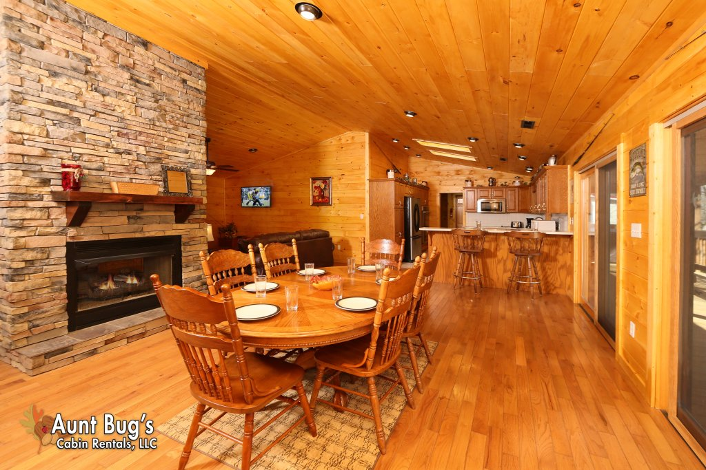 Photo of a Gatlinburg Cabin named Heavenly Creekside #276 - This is the seventh photo in the set.