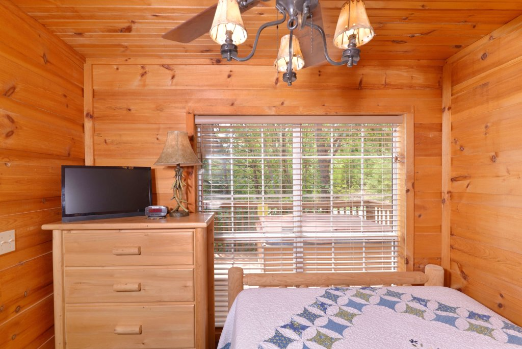 Photo of a Pigeon Forge Cabin named Amazing View #223 - This is the fifteenth photo in the set.