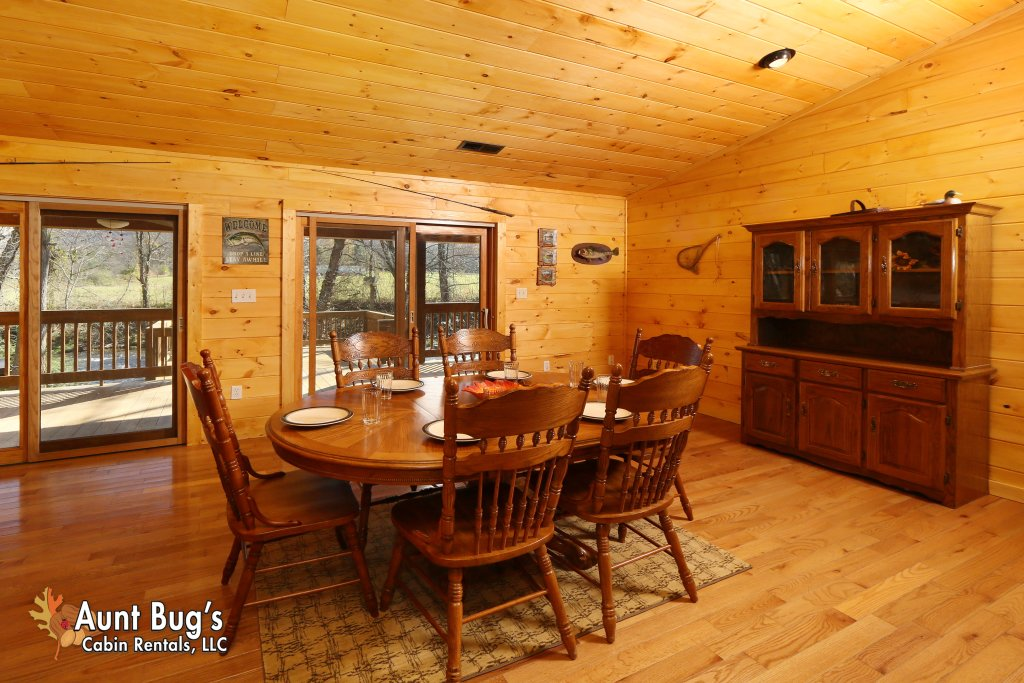 Photo of a Gatlinburg Cabin named Heavenly Creekside #276 - This is the fifteenth photo in the set.