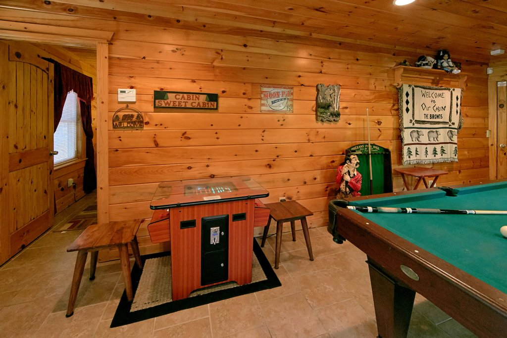 Photo of a Gatlinburg Cabin named Browns Bear Den #235 - This is the seventeenth photo in the set.