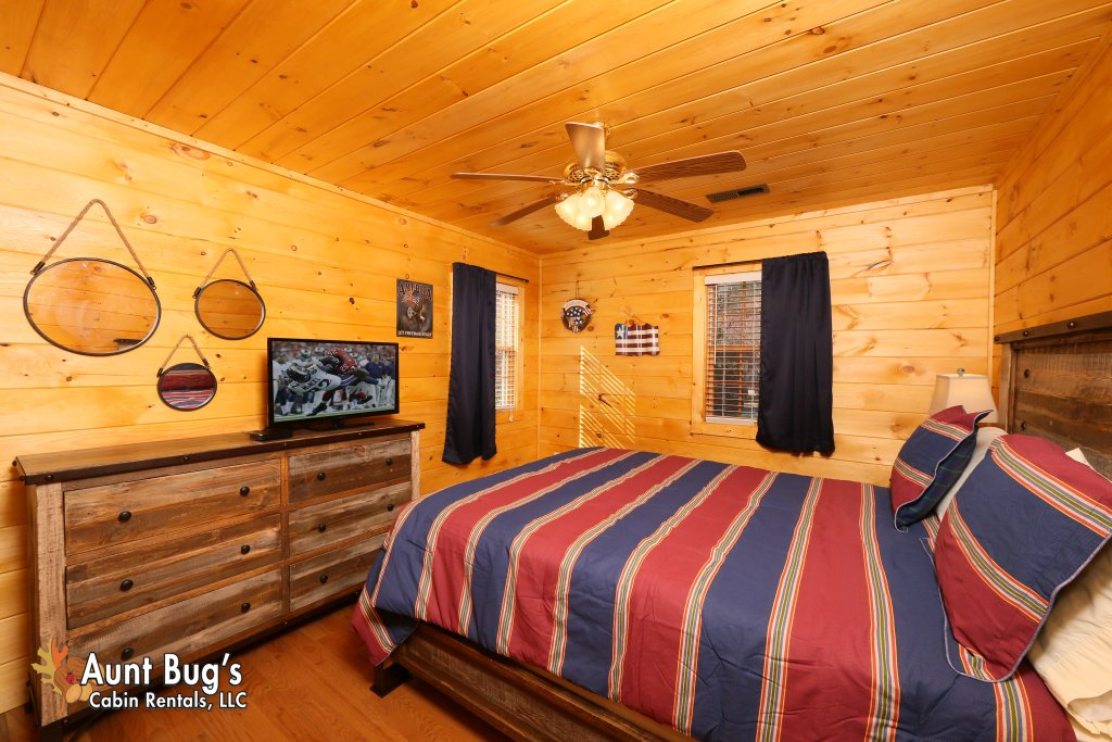 Photo of a Gatlinburg Cabin named Heavenly Creekside #276 - This is the twenty-first photo in the set.