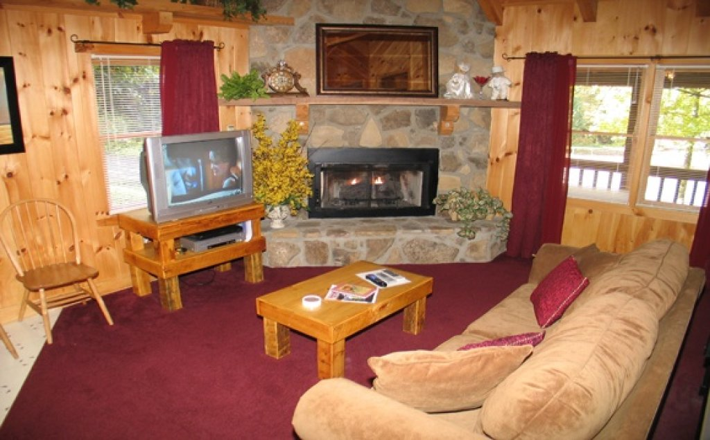 Photo of a Pigeon Forge Cabin named Stream Of Love #374 - This is the sixth photo in the set.