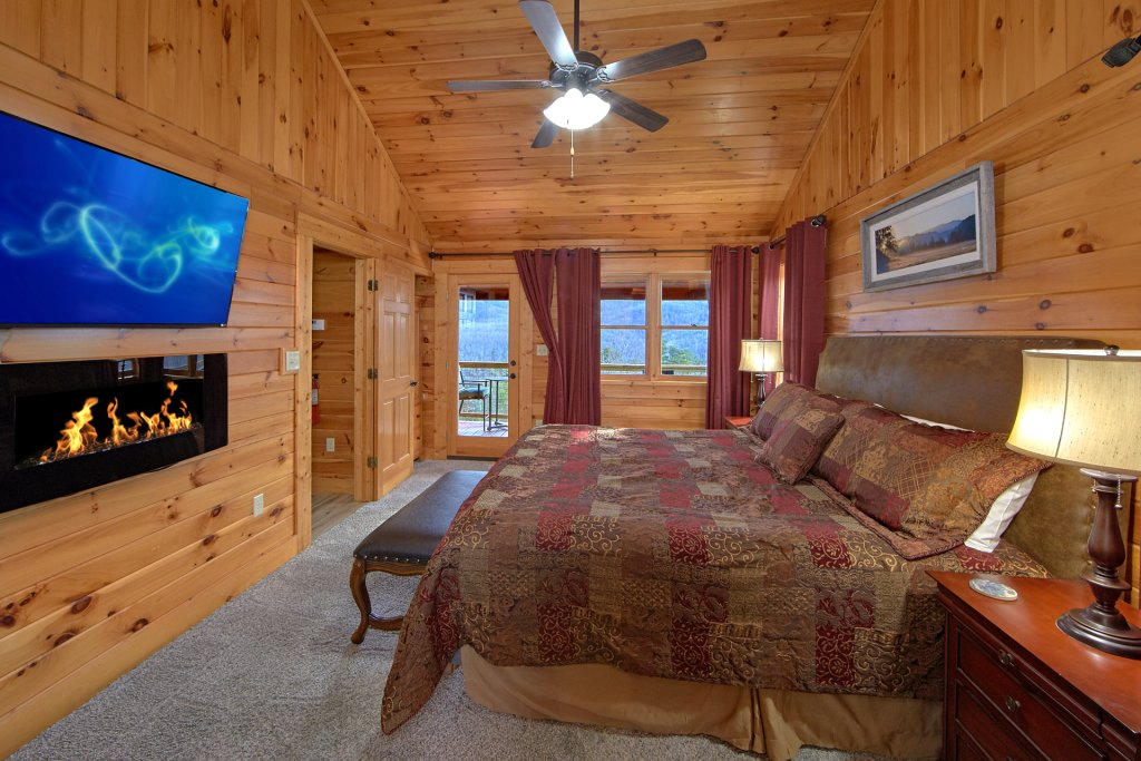 Photo of a Gatlinburg Cabin named Grand View - This is the nineteenth photo in the set.