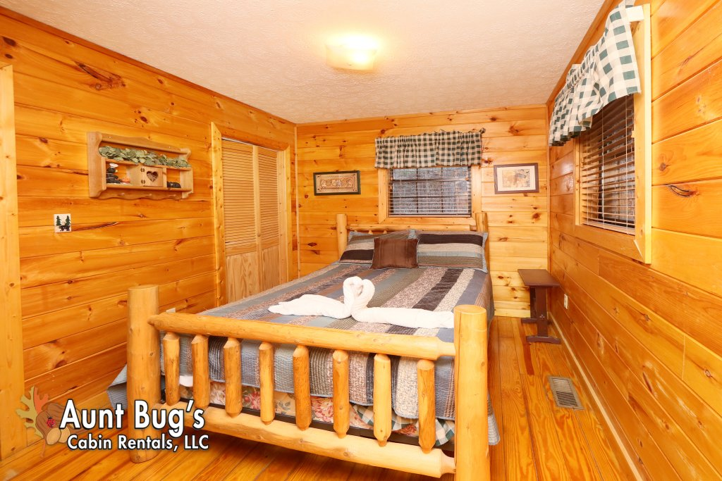 Photo of a Gatlinburg Cabin named Secret Hideaway #195 - This is the seventeenth photo in the set.