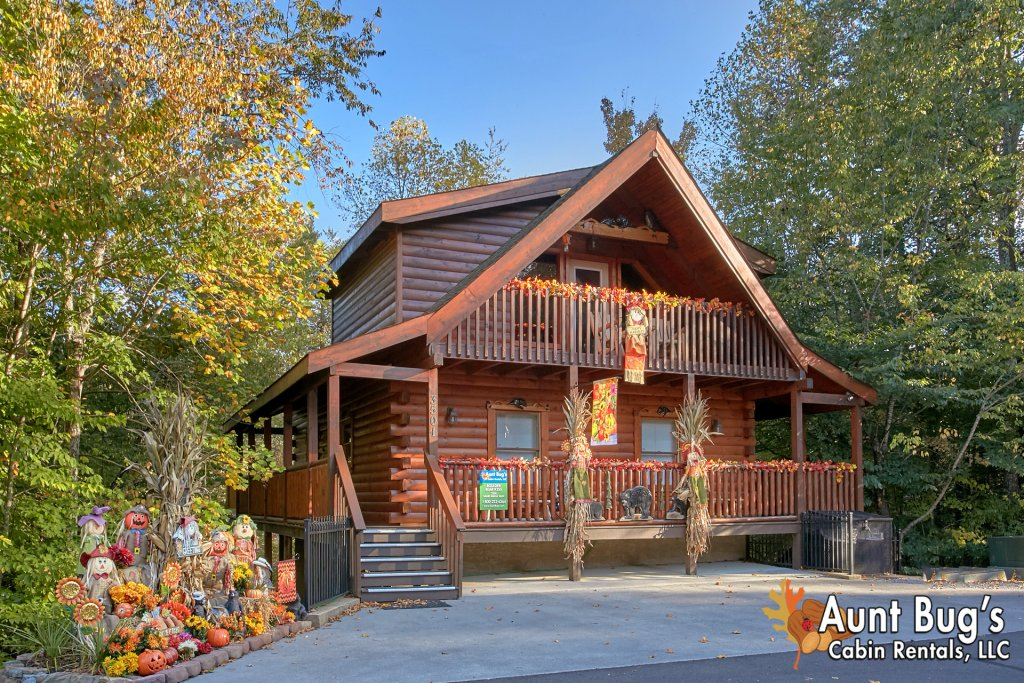 Photo of a Pigeon Forge Cabin named Boulder Bear Lodge #355 - This is the first photo in the set.