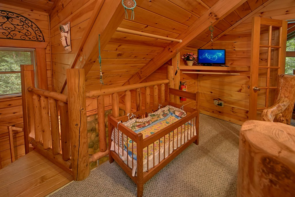 Photo of a Gatlinburg Cabin named Browns Bear Den #235 - This is the ninth photo in the set.