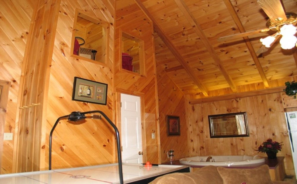 Photo of a Pigeon Forge Cabin named Stream Of Love #374 - This is the ninth photo in the set.