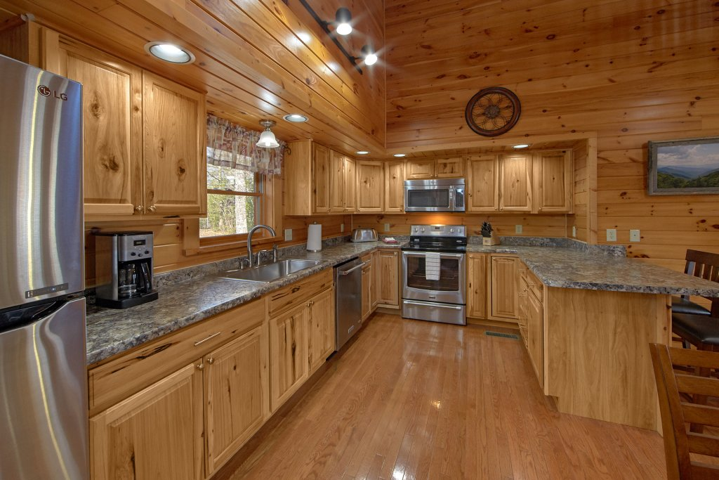 Photo of a Gatlinburg Cabin named Grand View - This is the eighteenth photo in the set.