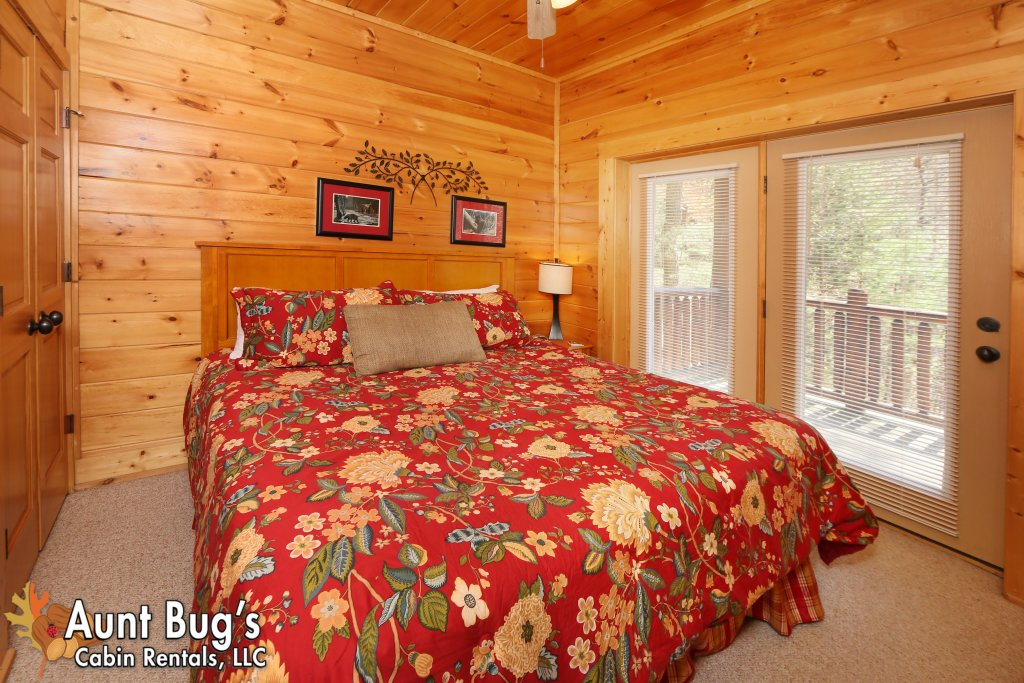 Photo of a Pigeon Forge Cabin named Big Daddy Bear #545 - This is the twenty-first photo in the set.