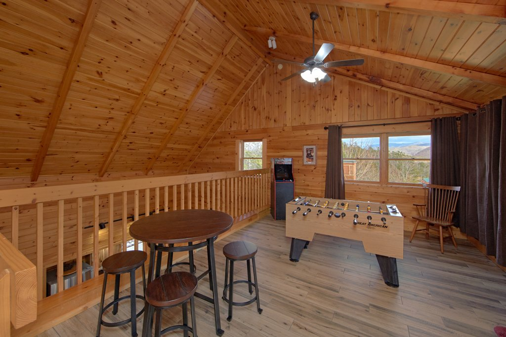 Photo of a Gatlinburg Cabin named Grand View - This is the fourteenth photo in the set.
