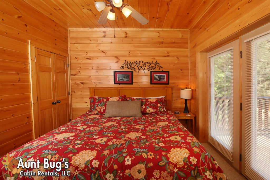 Photo of a Pigeon Forge Cabin named Big Daddy Bear #545 - This is the twenty-second photo in the set.