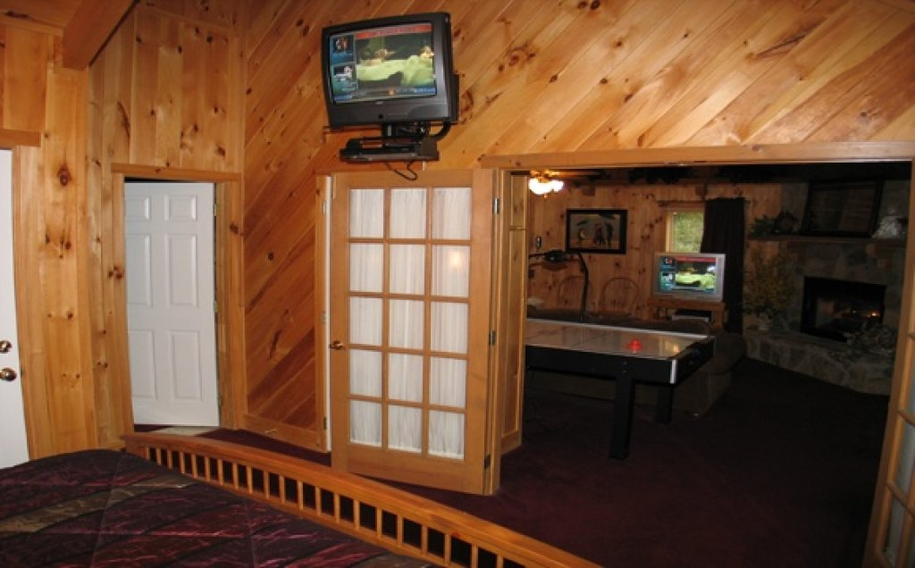 Photo of a Pigeon Forge Cabin named Stream Of Love #374 - This is the second photo in the set.