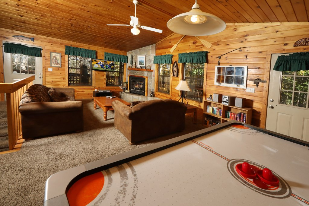 Photo of a Pigeon Forge Cabin named Four Seasons #193 - This is the fifth photo in the set.